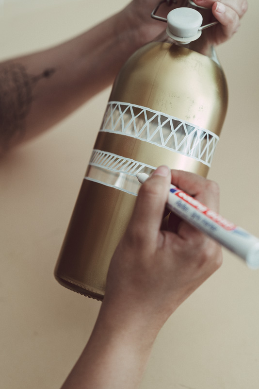 flaschen bemalen anleitung